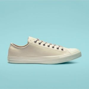 Chuck Taylor All Star Limo Leather Low Top (M7/W9)